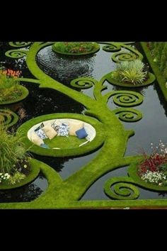 A pond seat | 22 Weird And Wonderful Features You'll Wish You Had In Your Garden
