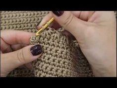 TUTORIAL: organizer a parete portatutto bagno by lafatattuttofare-Materiali www…. Free Crochet Bag, Crochet Box, Crochet Shell Stitch, Love Crochet, Beautiful Crochet, Crochet Stitches, Crochet Hats, Crochet Handbags, Crochet Purses