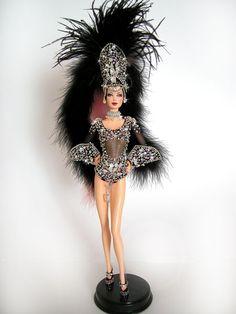 Black Vegas by Magia 2000 Barbie Music, Barbie I, Vintage Barbie Dolls, Barbie World, Barbie Dress, Barbie And Ken, Barbie Clothes, Dolly Dress, Barbie Costume