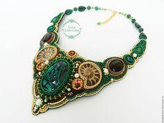 """Купить Колье """"Императрица"""" - нежное украшение, зеленый, колье с камнями, колье из бисера, Вышивка бисером"""