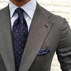 http://chicerman.com violamilano: @vincent_frederiks wearing his new Viola Milano Classic Circle - Navy/Blue silk tie & handrolled silk pocket square Find it online today at www.violamilano.com #vm #violamilano #menshoes