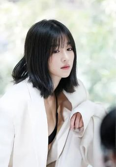 Seo Ye Ji in Talks for Female Lead of I'm a Psycho But It's Okay with Kim Soo Hyun Female Actresses, Korean Actresses, Korean Actors, Korean Celebrities, Korean Short Hair, Korean Girl, Oh Yeon Seo, Shot Hair Styles, Beautiful Asian Girls