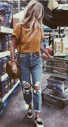 boyfriend jeans mustard distressed boyfriend jean vans platform sneakers The post boyfriend jeans appeared first on Best Jean. Fashion Mode, Look Fashion, Womens Fashion, Vans Fashion, Fur Fashion, Fashion Fall, Ladies Fashion, Fashion Clothes, Vans Platform Sneakers