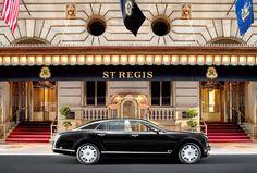 ティファニーがデザインした高級ホテルのスイートルームが、ニューヨークの一等地にあることをご存知でしょうか。ロイヤルブルーが印象的に使われた、特別なティファニースイートをご紹介します。