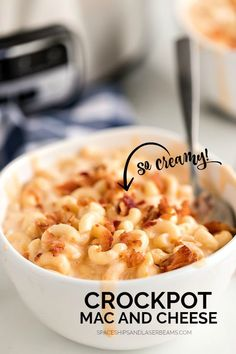 The Best Crockpot Mac and Cheese (Easy Recipe) mac and cheese in a bowl in front of a slow cooker Crockpot Mac N Cheese Recipe, Crockpot Dishes, Crock Pot Slow Cooker, Crock Pot Cooking, Slow Cooker Recipes, Beef Recipes, Cooking Recipes, Crockpot Meals, Mac Recipe