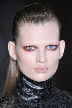 The Best Makeup Looks from Fall 2013: Prune Eyes at Gucci