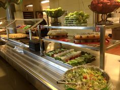 Tom Houle and the talented staff at Nashoba Regional High School, this is how you feed #RealSchoolFood to hungry teens. Eye-appealing variety + Smarter Lunchroom Movement displays ... it's #PicturePerfect #SchooLunchSnapshot!