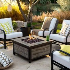 The 5 Main Types of Fire Pits You Need to Know Before Purchasing - Cozy Home 101 Gas Fire Pit Table, Diy Fire Pit, Fire Pit Backyard, Fire Pits, Fire Pit Furniture, Outdoor Furniture Sets, Outdoor Decor, Furniture Ideas, Outdoor Spaces
