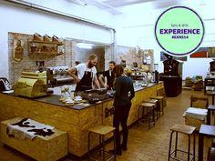 I en baggård på Klostergade finder du en hyggelig lille kaffebar, hvor du, udover at få en frisk ristet og brygget kop kaffe, også kan opleve, hvordan kaffebær bliver til kaffe i Kafferisteriet. Anbefalet af #NSFacebookFan  #AirbnbHost  #EXNS14 #GreatCoffee #Ineedcoffee #SpisOgDrik