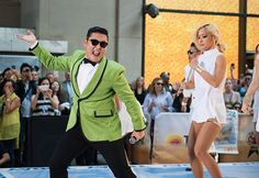 Psy appears on SNL with 'Gangnam Style' Spoof