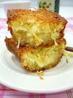 Bolo de mandioca / de aipim (Brazilian cassava cake)