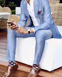 light Blue suit has never been more popular for men's suits. Stylish Mens Fashion, Mens Fashion Blog, Mens Fashion Suits, Fashion Pants, Cool Mens Suits, Best Suits, Mens Suits Style, Men's Fashion, Fashion Trends