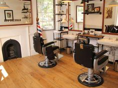 @getbelliata loves the light and airy feel to the old skool feel barber shop in London.  https://belliatasalonsoftware.com/barber-shop-software  #barbers #barbershops #barbershopideas #bensherman
