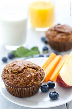 zdravé muffiny (s mrkví, jablky, ořechy a rozinkami)