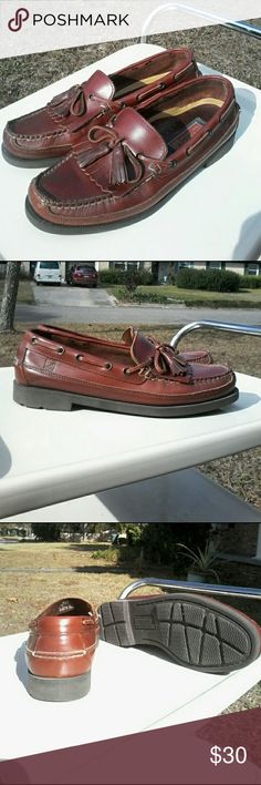 Sperry Top-Sider Tremont kiltie tassel deck shoe Absolutely fantastic, just perfect condition these Sperry Top - Siders! This is requisite footwear for any well-heeled male.  Size 9.5M. Sperry Top-Sider Shoes Boat Shoes
