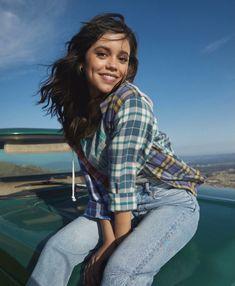 Jenna Ortega Beautiful Eyes, Most Beautiful Women, Jenna Ortega, Disney Stars, Celebs, Celebrities, Best Actress, Classy Dress, Celebrity Crush