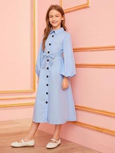Stylish Dresses For Girls, Frocks For Girls, Stylish Dress Designs, Designs For Dresses, Little Girl Dresses, Cute Dresses, Girls Dresses Online, Girls Fashion Clothes, Teen Fashion Outfits