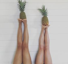 This is a very cute pineapple picture to take with your best friend or even just your friend! :)