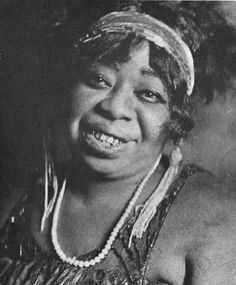 "Gertrude ""Ma"" Rainey, one of the earliest professional female blues singers #womenshistory"
