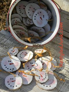 wooden ornaments. super simple to make and soooo cute!  #ChristmasTreeMarket and #DIYornaments