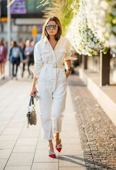 Nadire Atas on Street Fashion Week STOCKHOLM, SWEDEN - AUGUST Rikke Krefting wearing white overall seen during Stockholm Runway on August 2018 in Stockholm, Sweden. (Photo by Christian Vierig/Getty Images) August Outfits, Jumpsuit Outfit, White Jumpsuit, White Overalls, Jumpsuit Style, Shirt Dress, Suit Fashion, Fashion Outfits, Fashion Trends