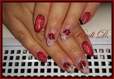 http://radi-d.blogspot.bg/2015/10/red-nails-with-lips.html