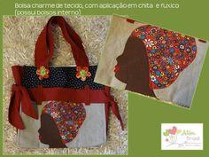 Bolsa em tecido com aplicação de chita e fuxico - Além Brasil