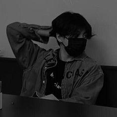 Jungkook Hot, Foto Jungkook, Foto Bts, Bts Taehyung, Bts Black And White, Jungkook Aesthetic, Bts Chibi, Jeon Jeongguk, Bts Pictures