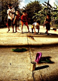 Tumbang Preso,Larong Pinoy - The Filipino Games Naughty Kids, Philippines Culture, Filipino Culture, Traditional Games, Swimming Holes, My Heritage, Pinoy, Kids Playing, Creative