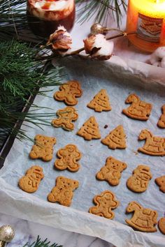 Christmas Sweets, Christmas Goodies, Xmas Cookies, Gingerbread Cookies, Bakery Recipes, Cookie Recipes, Biscuit Cookies, Edible Flowers, Creative Cakes