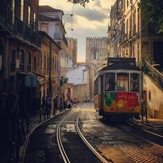 travelingcolors:  Portas do Sol, Lisboa | Portugal (by Nacho Coca) Find me on Instagram