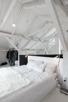 Bedroom loft home decor Style Bedroom Loft, Dream Bedroom, Bedroom Decor, Bedroom Ideas, Bedroom Inspiration, Interior Architecture, Interior Design, White Bedroom, White Headboard