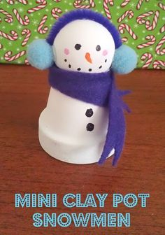 If you like snowmen crafts you'll love these cute Mini Clay Pot Snowmen. They make a great shelf decoration, or personalize with names for place settings. Christmas Clay, Christmas Projects, Winter Christmas, Christmas Time, Preschool Christmas, Winter Fun, Snowman Crafts, Holiday Crafts, Holiday Fun