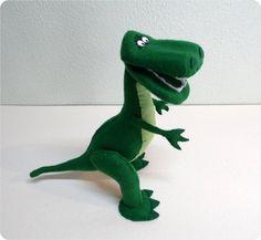Rex Dinosaur Toys, Dinosaur Party, Dinosaur Stuffed Animal, Festa Toy Store, Nursery Crafts, Sewing Stuffed Animals, Dolls, Diy, Biscuit