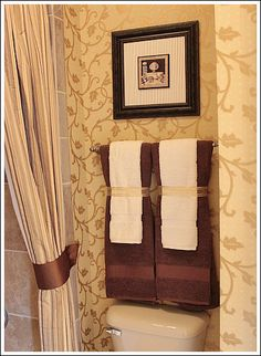 LOVE The Idea Of Puttin French Words Around The House Salle De - Burgundy decorative towels for small bathroom ideas