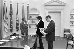 Elvis meets Nixon, 1970 (8)