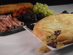 Baked Brie with Spicy Blackberry Compote