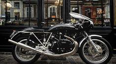 Egli-Vincent Godet (1 700 km !) , à vendre chez Legend Motors Lille.