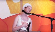 Ajeet Kaur chants to Guru Ram Das at Sat Nam Fest Joshua Tree 2015