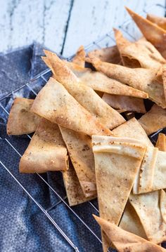Quick Flatbread Crackers are a great alternative to commercial crackers, which can be full of hydrogenated oils and other weird ingredients. Cheaper too! Quick And Easy Appetizers, Easy Appetizer Recipes, Snack Recipes, Sweets Recipes, Vegan Recipes, Great Recipes, Favorite Recipes, Bread Dishes, No Bake Snacks