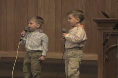 Video: They Came On Stage To Sing A Classic Hymn, And The Boy On The Left Steals The Show. So Good! - http://eradaily.com/video-came-stage-sing-classic-hymn-boy-left-steals-show-good/