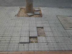 hola, Soy Antonia y vivo en la calle Mas dels Cubs. Quien tiene competencia para arreglar las aceras de este tramo de San Ramón?