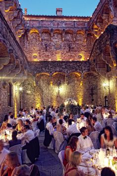 #CastellodiVincigliata #WeddingPhotos  - Italian Wedding Photographer Jules