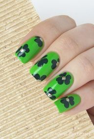 St. Patricks nails design