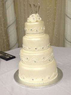 hyvee wedding cakes - Google Search