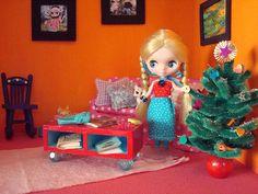Easy to make Christmas tree for dollhouse | Source: Sparklerama