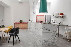 Fala Atelier, Garage house, Lisbona 2016, vista della cucina