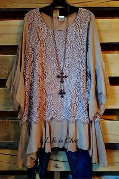 Fashion at this level of design and quality is not often available on-line. And never at these prices. We are very proud to be able to offer this Tunic to our customers. This is it, the ultimate 'wear Hippie Outfits, Chic Outfits, Fashion Outfits, Pretty Outfits, Beautiful Outfits, Plus Size Dresses, Plus Size Outfits, Plus Size Boutique, Lace Tunic