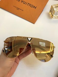 eabb03a24cc LV 2314 Sunglasses For Unisex Fashion Oval design UV Protection Lens  Coating Mirror Lens Color Plated Frame Come With Package