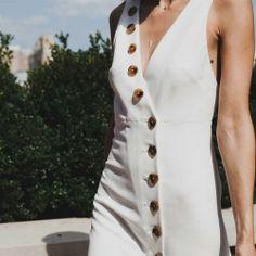 "bymartinajane: ""Kaithe New York dress ""Céline de Monicault #celinedemonicault #creatricerobedemariee #lessismore #backless #vestale #minimalistbride #modernbride #chicbride #etheree #bridal #robedemariee#weddingdress #novia #weddinggown#vestiodenovia #bridalinspiration#frenchdesigner #lace #dentelle #madeinparis #savoirfaire #artisanat #couture #madeinfrance #madewithlove"